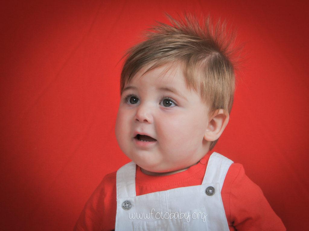 Fotografías-Infantiles-en-Granada-Fotografos-FotoBaby-fotografa-estudio