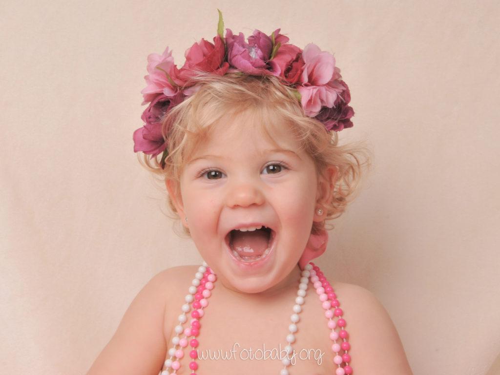Fotografías-Infantiles-en-Granada-Fotografos-FotoBaby-fotografa-estudio-reportajes