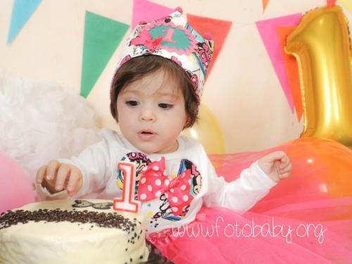 Smash-the-Cake-Sesión-de-Cumpleaños-en-Granada-FotoBaby-fotografa-infantil