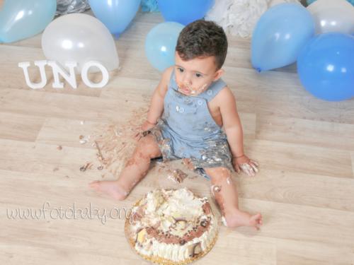 Smash Cake sesión fotográfica divertida fotobaby fotografa infantil en granada new born embarazo familiar recién nacido (22)