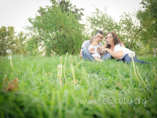 sesiones familiares en exteriores granada bebe fotobaby fotografos fotografa reportajes infantiles (4) (3)